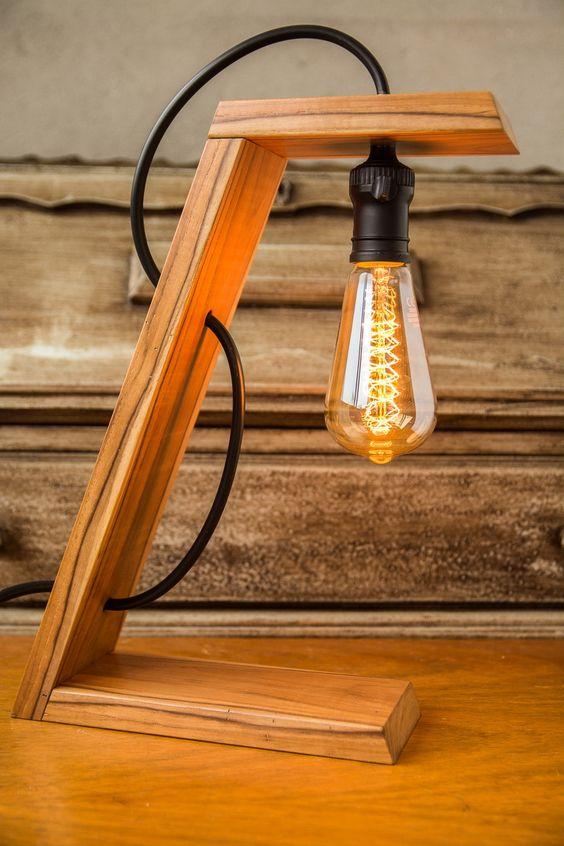 làm đèn ngủ bằng gỗ để bàn treo trên giá gỗ